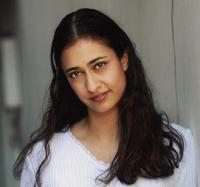 Nikki Barran as Aida